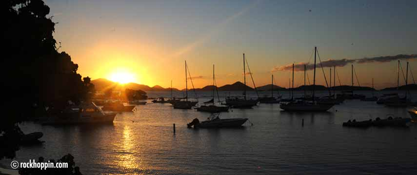 powerboat-charter-stjohn-cruzbay-sunset
